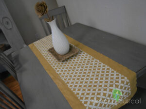 Table Runner Gold Button 2